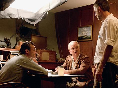 Joaquin Phoenix, Philip Seymour Hoffman y Paul Thomas Anderson. Fotografía tomada de moreintelligentlife.com -